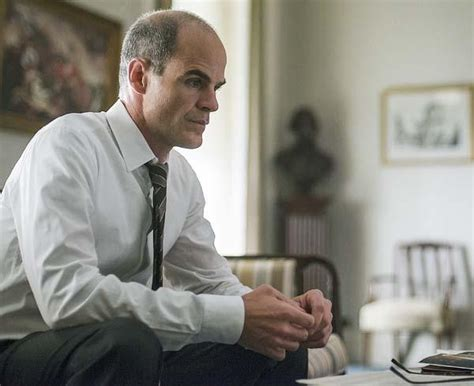 michael kelly house of cards surprise house of cards star breaks down that shocking season 3 reveal today s news