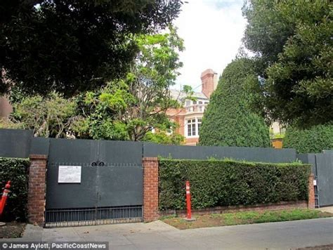 Zuckerberg House by Anti Open Borders Advocate Zuckerberg Buys Hawaii Property Puts Up Wall