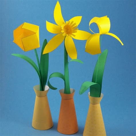 How To Make A Flower Out Of Construction Paper - paper flowers in simple paper vase flower bouquet