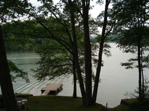 lake glenville nc boat rentals cabin rentals cashiers nc lakefront weekend getaways