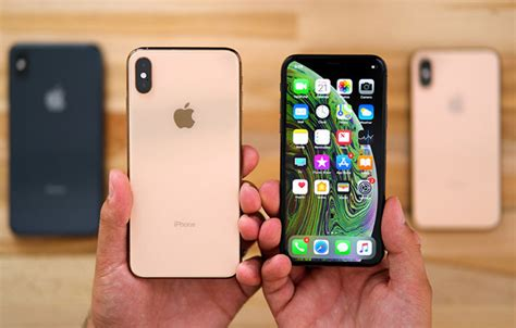 storage increases  iphone xs offers high profits