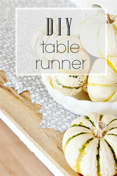 Diy Table Runner by How To Make A Diy Table Runner With Giggles