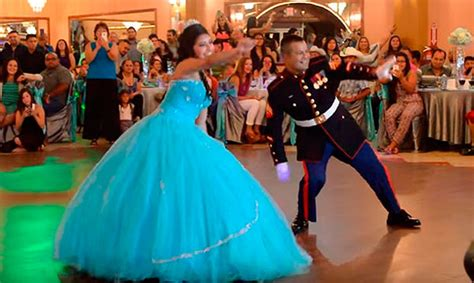 bailando el vals de quince a os quinceaneras waltz video el pap 225 de la quincea 241 era que sorprendi 243 con su baile