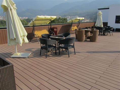 Discounted Flooring Hurricane Area - 25 best ideas about plastic decking on wood