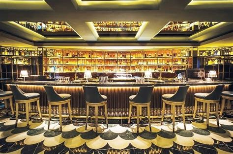Bar Top Singapore by Manhattan Bar In Singapore Tops This Year S Best Bars In