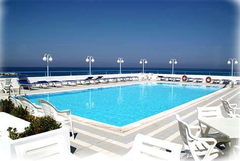 appartamento puglia agosto offerte agosto in italia per hotel villaggio turistico o