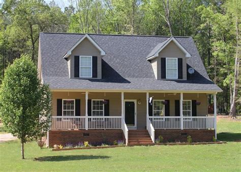 house plans with front porch and dormers best 25 cape style homes ideas on pinterest