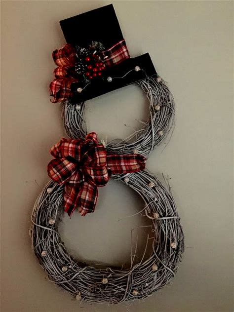 learn    grapevine christmas wreaths  front