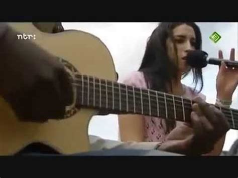 in my bed amy winehouse amy winehouse in my bed live acoustic 2004 youtube