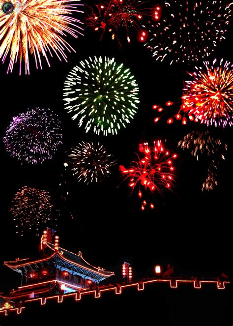 lanterns and firecrackers a new year story nexus images news stories in images new year fireworks