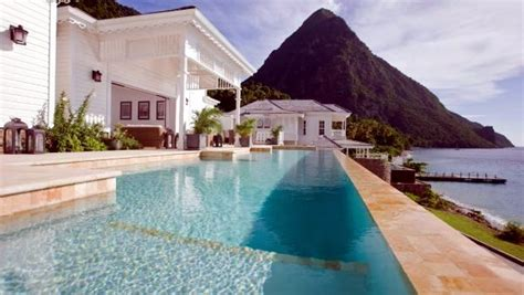 top   beautiful hotel pools  stunning views