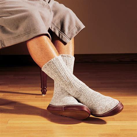 astronaut slipper socks the astronaut s slipper socks hammacher schlemmer