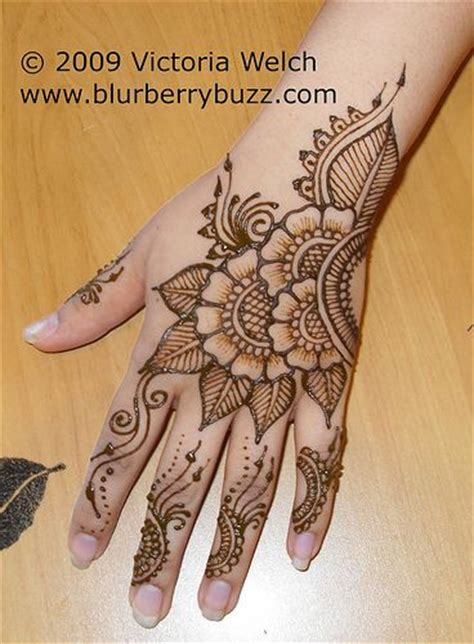 henna tattoo hand mannheim 25 best ideas about henna tattoos on