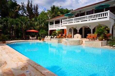 piastrelle per piscine prezzi pavimentazioni per piscine piastrelle per casa