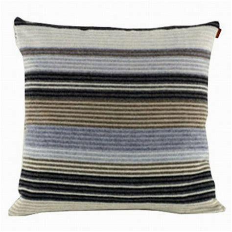 missoni striped cushion boligindretning puder design