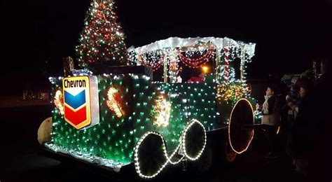 lighted christmas parade ideas white pines lighted parade with santa mrs claus