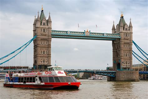 thames river cruise dinner vouchers thames lunch cruise for two