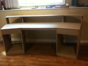 Diy Recording Desk Diy Recording Studio Desk Plans Woodideas