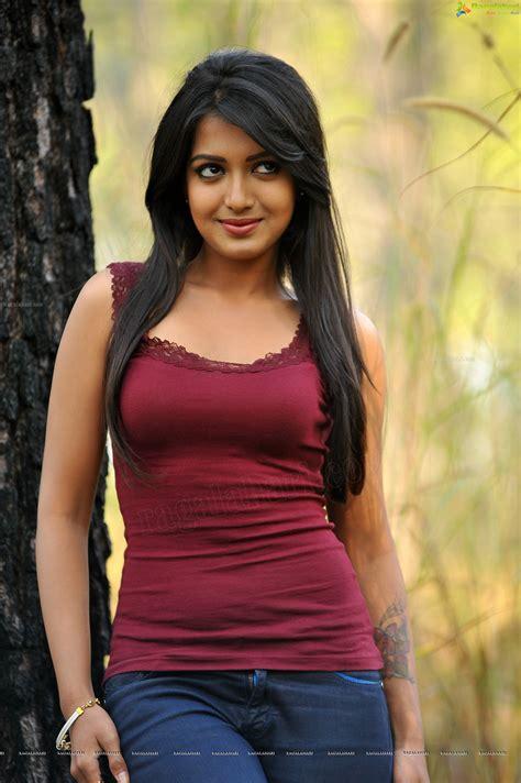 heroine pooja ka photo bollywood news latest bollywood movie updates autos post