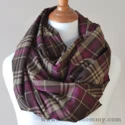 How To Make Infinity Scarves Sew The 15 Minute Infinity Scarf In 3 More Ways Striped