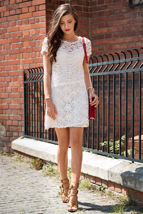 Rachel Parcell How To Wear A Lace Dress This Is How It S Done Just