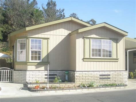 2004 hallmark mobile manufactured home in placentia ca