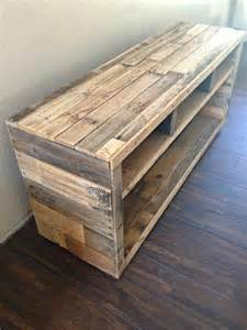 25 best ideas about pallet tv stands on