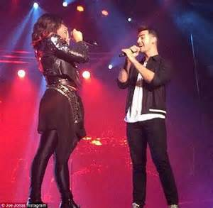 Demi lovato invited ex boyfriend joe jonas on stage to sing with her
