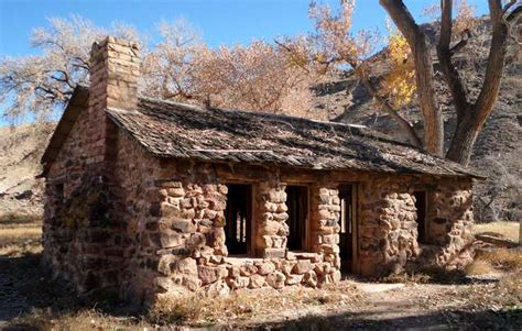 Walker Cabin by Escalante Late Fall Ride Ham Radio Answers