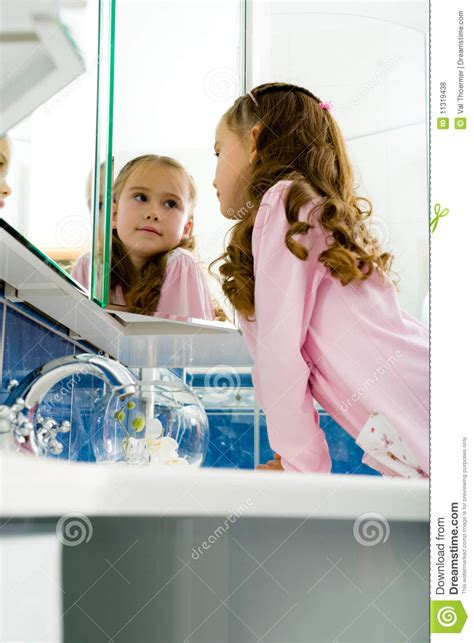 girl in the bathroom pics girl in the bathroom royalty free stock photos image