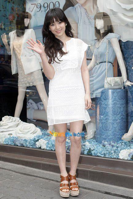 Dress Kancing Black 8 style ala song hye gyo yang sederhana nan menawan yuk