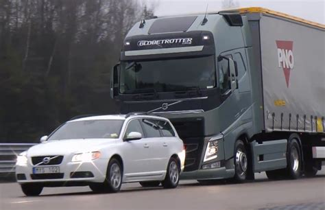 video find volvos  semi truck stops   shy   collision