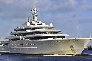Tww history supreme 4 5 bil gold plated super yacht