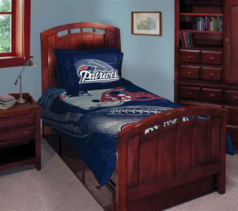patriots comforter queen new patriots nfl comforter set 63 quot x 86 quot