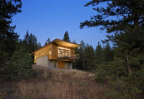 Pine Cabin by Pine Forest Cabin Achieves Beautiful Modern Design On A