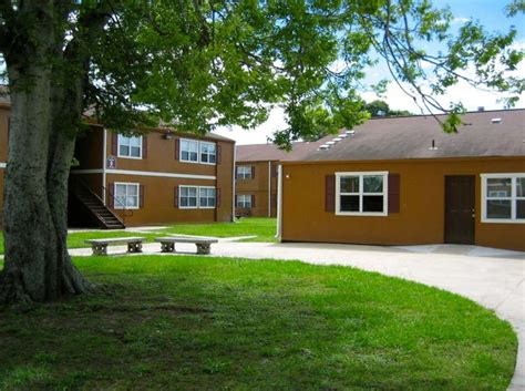 one bedroom apartments in new orleans holly park apartments rentals new orleans la