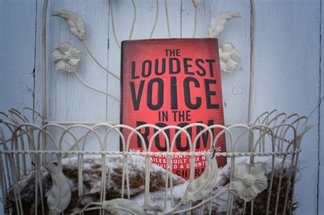 the loudest voice in the room book review quot loudest voice in the room quot the story of the enraged genius who built fox news