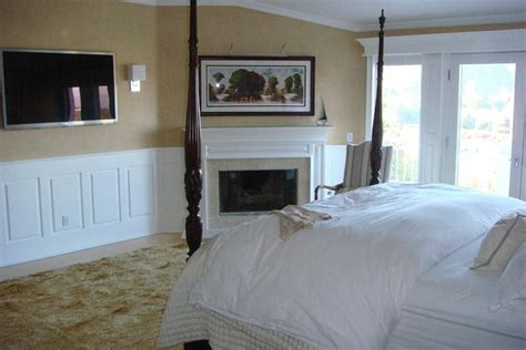 wainscoting bedroom ideas bedroom decorating ideas with wainscoting images