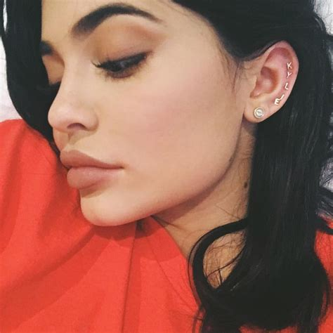 kendall jenner tattoo behind ear 202 best kylie jenner images on pinterest jenners
