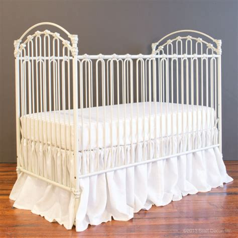 Antique White Convertible Crib Antique White Crib 28 Images Da Vinci Convertible Crib In Antique White Mdb 4 In 1 Antique