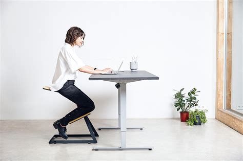 Standing Desk Research by W Chair Idaaf