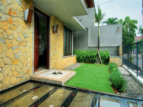 desain taman kolam minimalis depan rumah arsitekhom