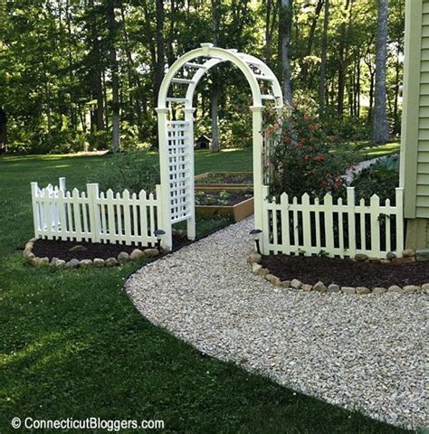 Garden Fence Lowes by 15 Best Images About From Driveway To Entrance Way On