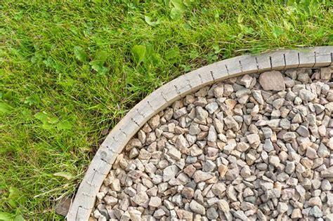piedra para jardines renovar el jard 237 n con piedras decorativas verdecora