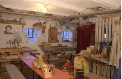 werkstatt 52 schreinerei und möbelrestauration pumucklmuseum bartlm 228 m 252 hle armin krattenmacher pumuckl