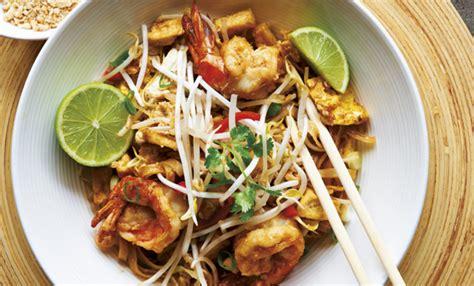 cucina tipica thailandese pad thai la ricetta dei noodle pi 249 conosciuti al mondo
