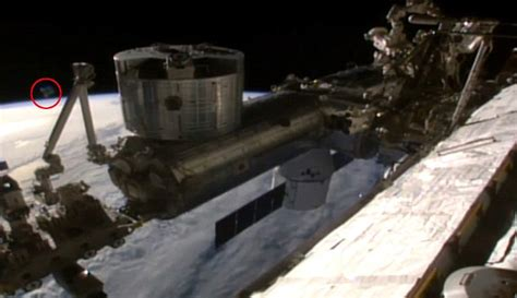 nasa cuts live feed from international space station as