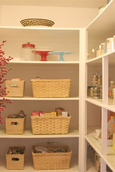 Clean Pantry by 10 Pretty And Organized Pantries