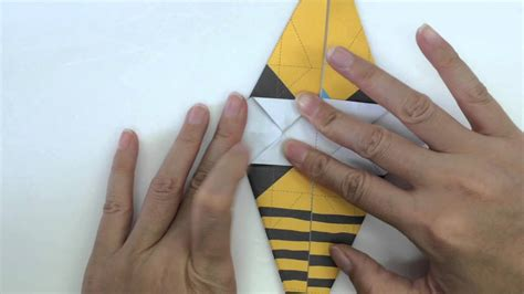 How To Make A Paper Bee - origami bee