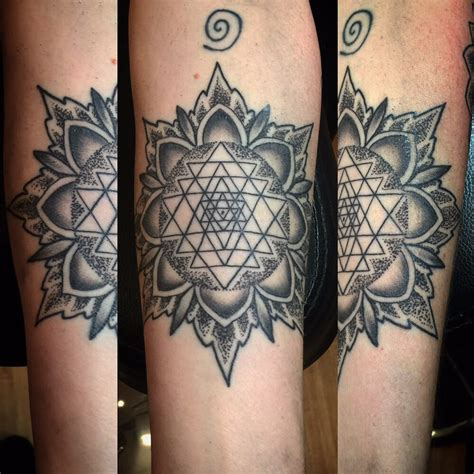 sri yantra tattoo sri yantra www imgkid the image kid has it